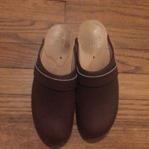 Brown Swedish clogs